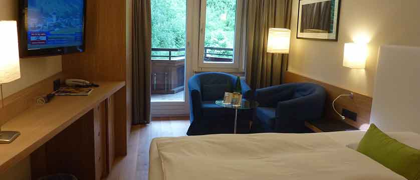 Austria_Hinterglemm_Gardenhotel-Theresia_Bedroom3.jpg